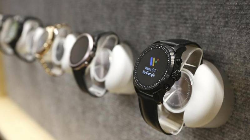 Google wins the Smartwatch technology in Fossil - Leader